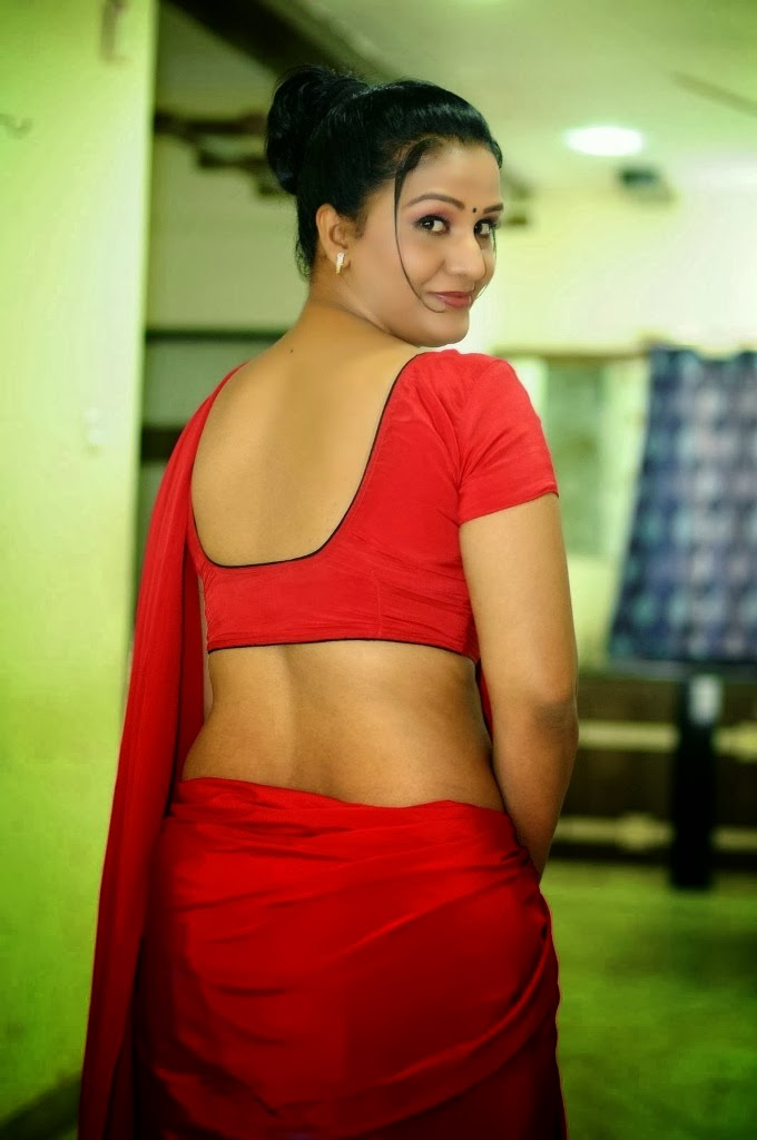 Telugu palleturi aunty back side photos super! She