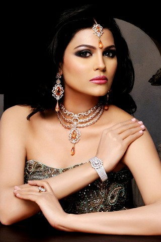 TRIPLE CHAIN BRIDAL SET BY SARWAN JEWELLERY