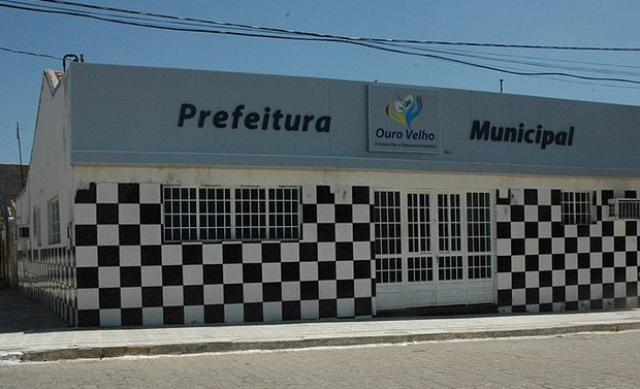 OURO VELHO: Empresa que asfaltaria ruas da cidade não comparece e levará multa que poderá chegar ao