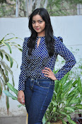 Nithya Shetty dazzling photo shoot-thumbnail-8