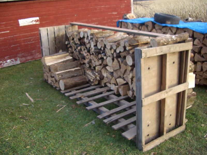 Wood Pallet Firewood Rack