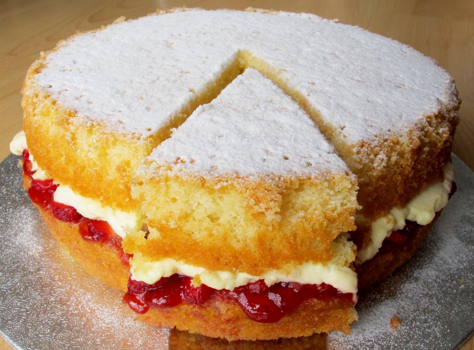 The Best Victoria Sponge Cake Recipe