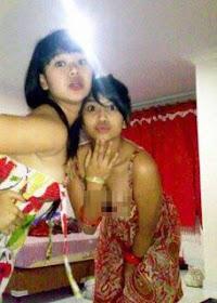 Foto Vanessa Angel Merokok dan Cium Cewek