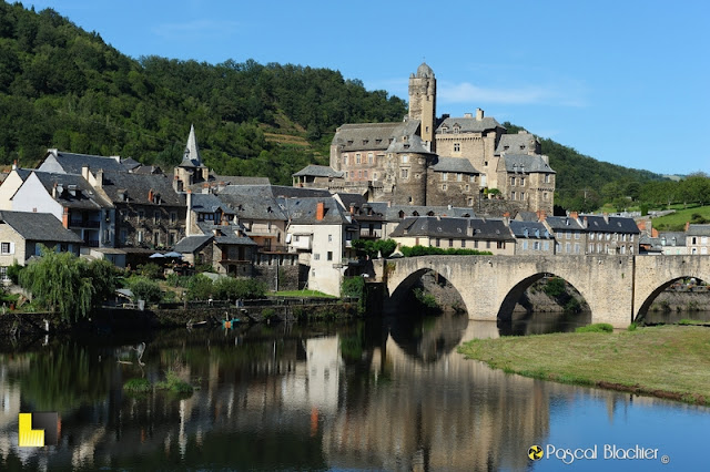 le village d'estaing en aveyron photo pascal blachier