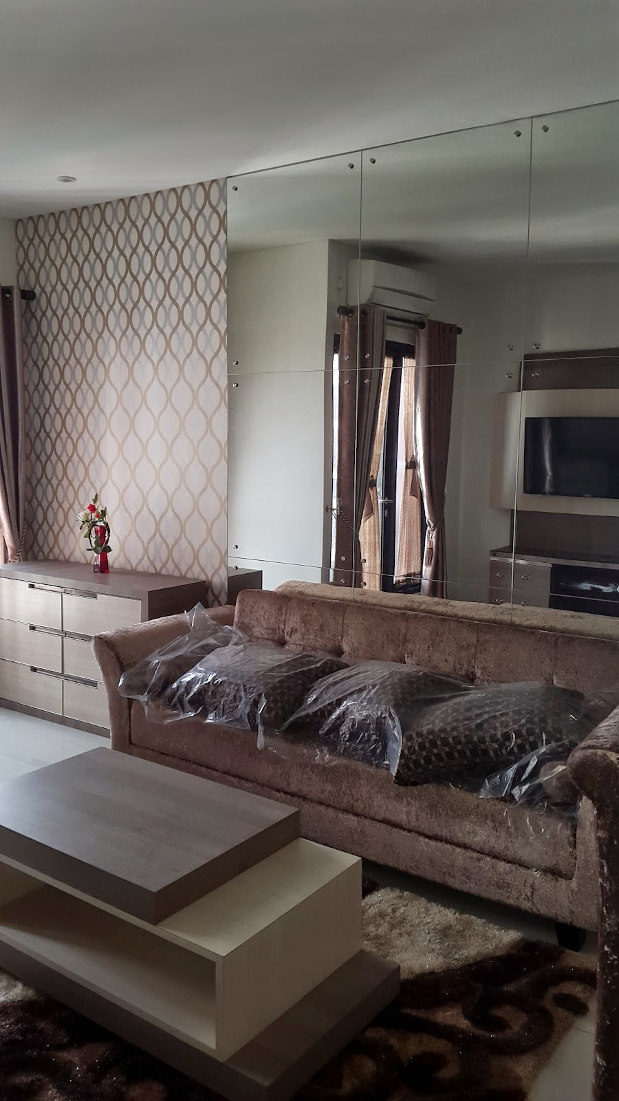 for rent-apartment taman sari -living room