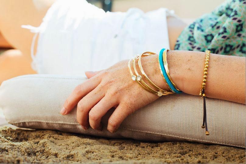 bracelet that holds hair ties