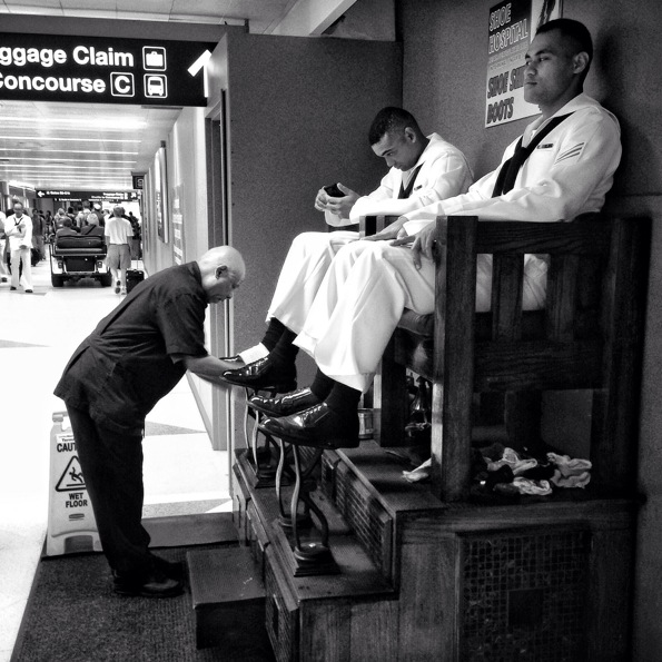 Shoe Shine © Richard Pilon