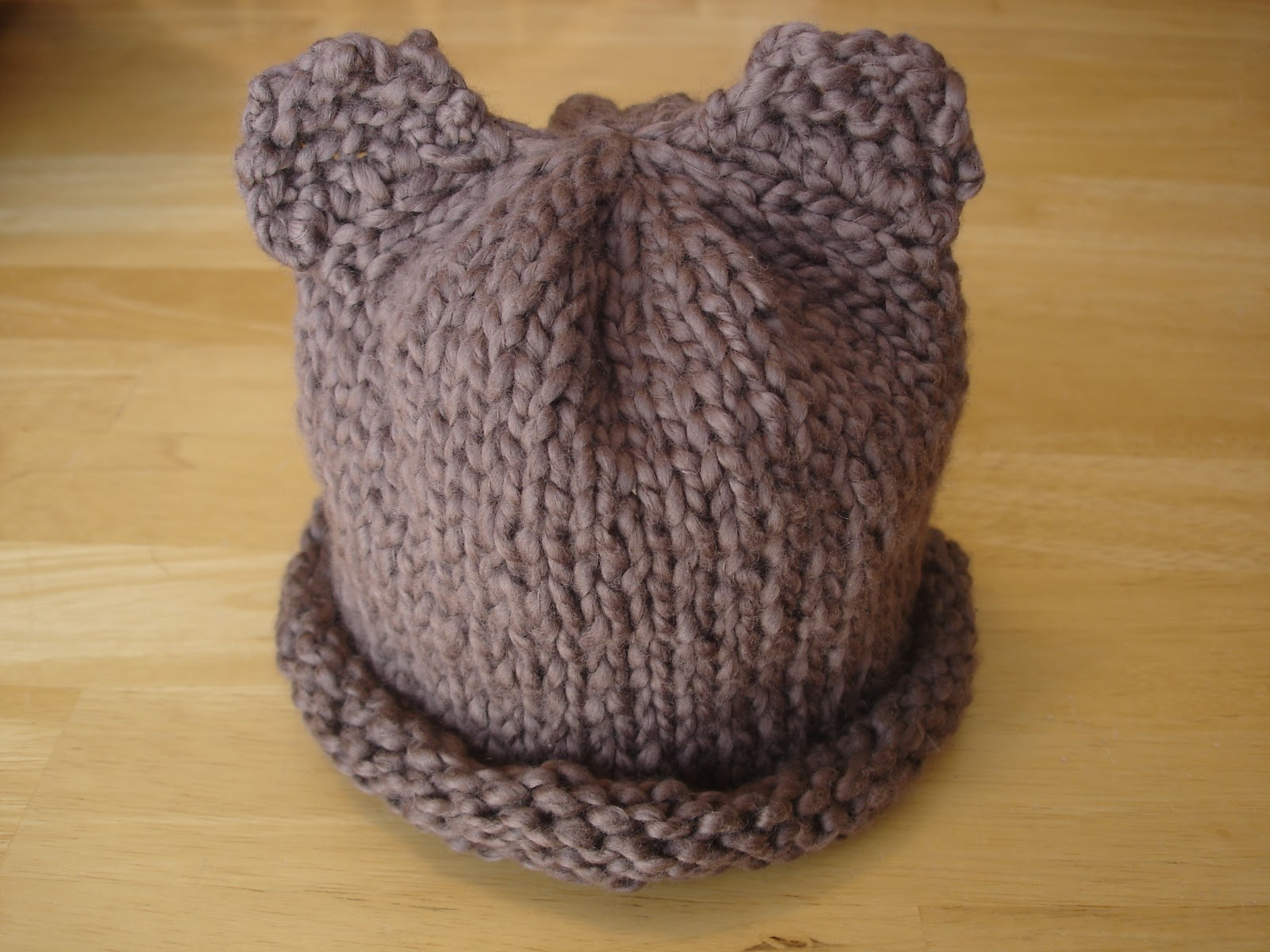 Free Knitting Pattern For Baby Hats : Fiber Flux: Free Knitting Pattern...Baby Bear Hat for Preemie, Newborn, and B...