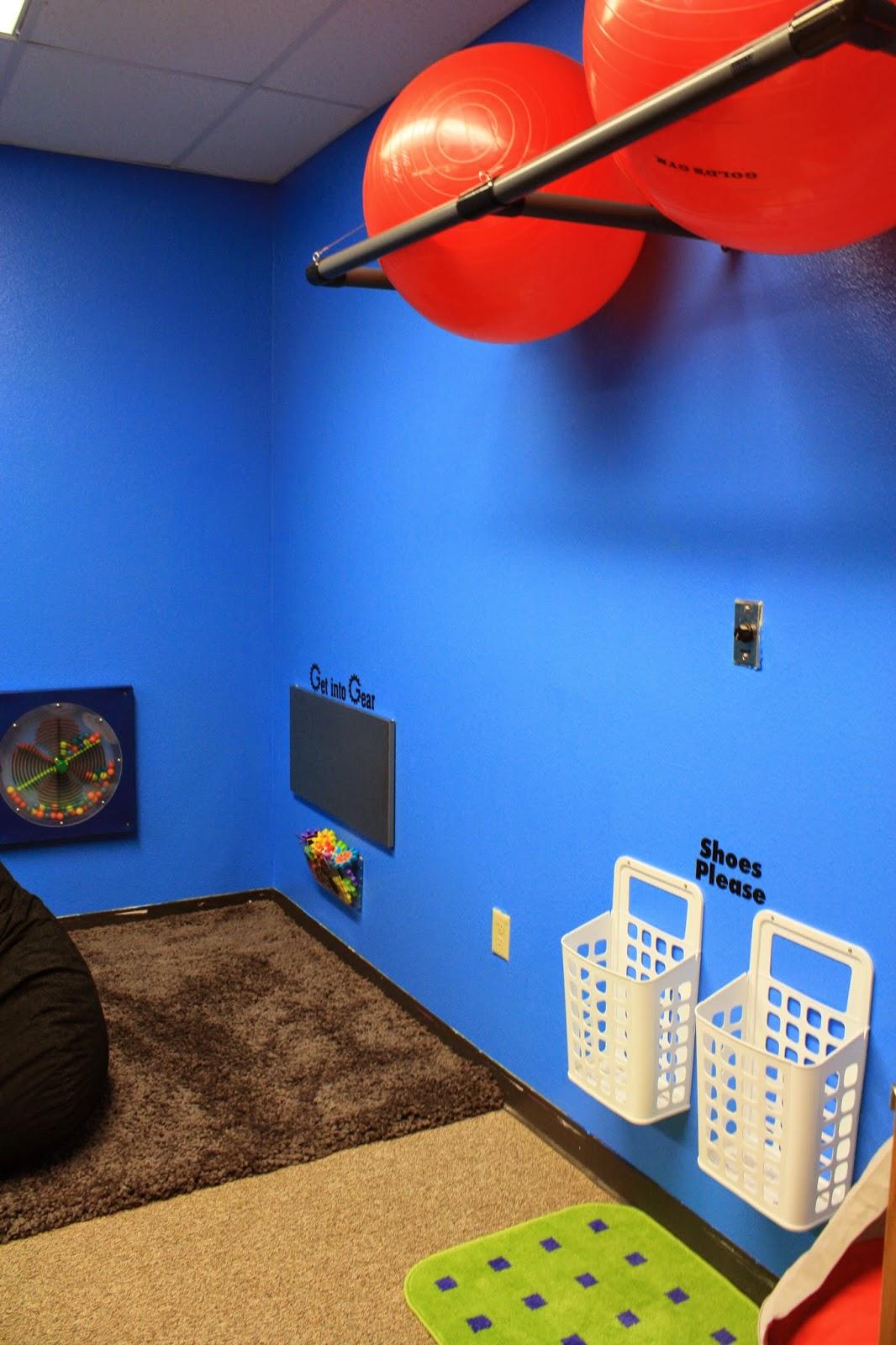 http://theballoonred.blogspot.com/2013/03/sensory-room.html