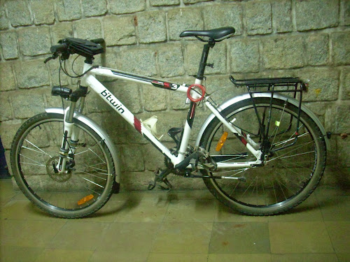 Hardtail mountain bike Rockrider 5.3 with full fenders rack stand and lights