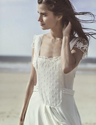 jolie robe de mariée de laure de sagazan blanche en dentelle