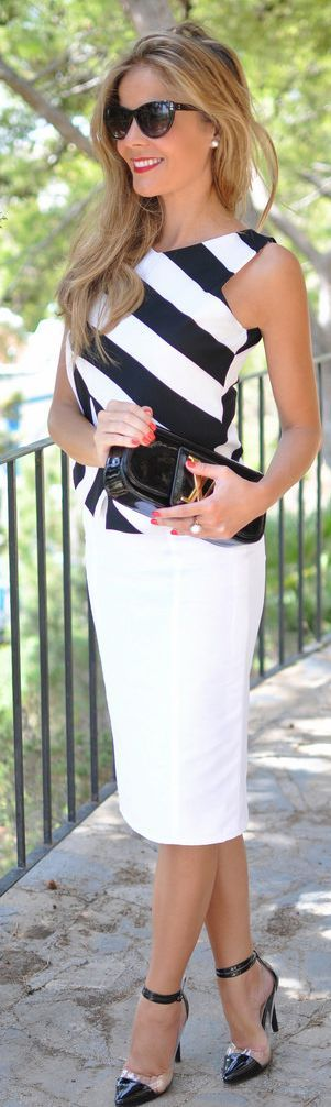 love black and white stripes! see my fave tank on southern elle style!
