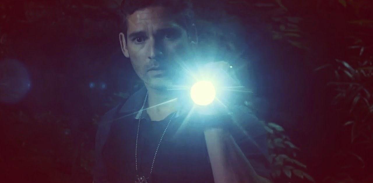 Trailer internacional e comercial inédito do terror sobrenatural Livrai-nos do Mal, com Eric Bana e Edgar Ramirez
