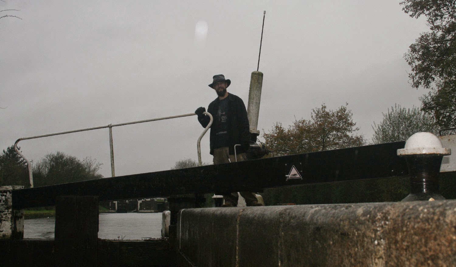 Waiting to open the upstream gate