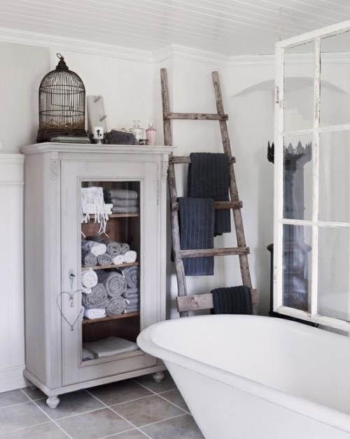 escalera madera toallero