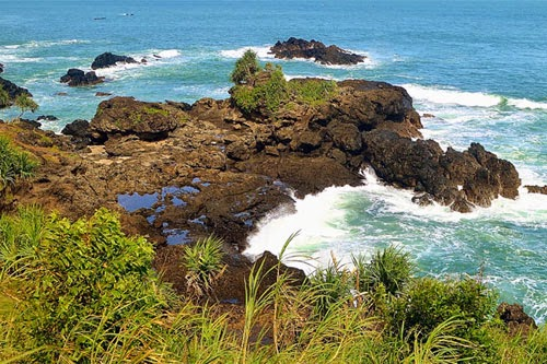Wisata Pantai Menganti Kebumen
