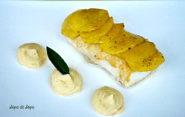Sopa de sopa bacalao con costra de patata - Patatas en caldo con bacalao ...