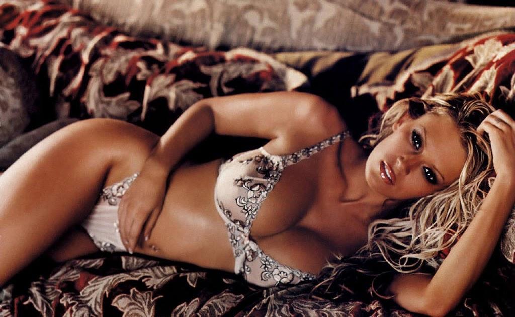 Super Sexy Celebrity P... Milla Jovovich Twitter