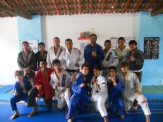 Turma Infanto-Juvenil e Instrutores