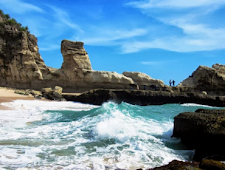 Pantai Klayar Wisata Pacitan yang Paling Populer