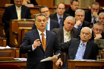 Orbán Viktor, Vona Gábor, Jobbik, Fidesz, Magyarország, korrupció,