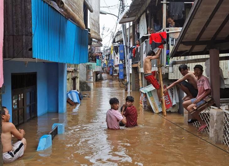 INUNDACIONES EN INDONESIA 19 DE ENERO 2014