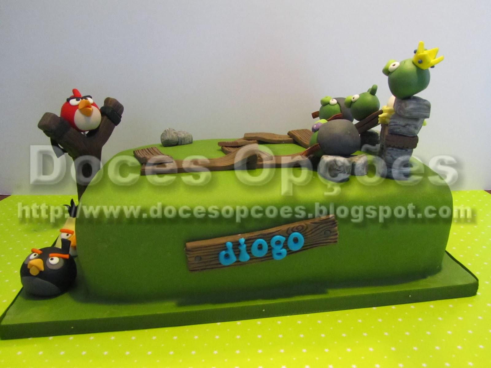 Bolo de aniversário do Diogo com os Angry Birds bragança