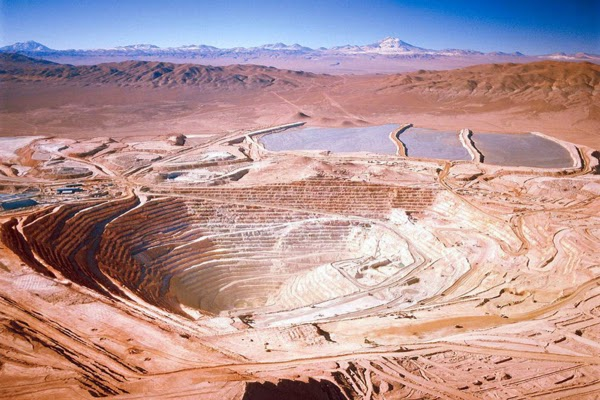 World's largest copper producer Chile slashes 2015 output forecast