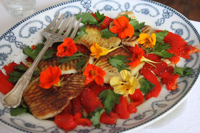 Halloumi, pepper and Nasturtium salad