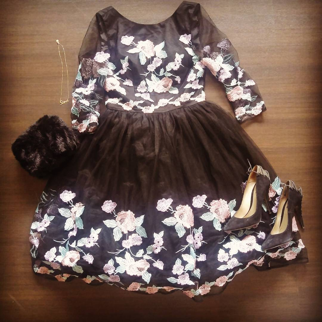 Caitlyn dress style chi chi