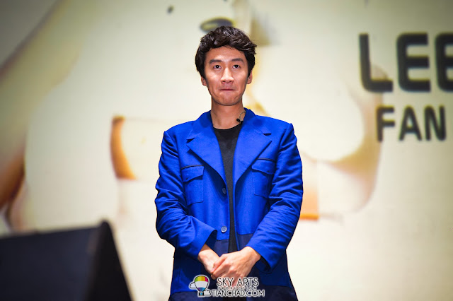 Lee Kwang Soo, the tall and funny guy you should meet at least once in a life time because he can surely make you smile Lee Kwang Soo Fan Meeting in Malaysia
