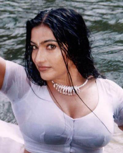desi actress hot bathing pics mallu surf