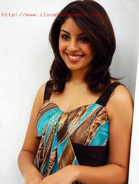 Richa Gangopadhyay Indian Teen Model Spicy Images
