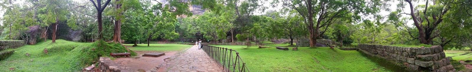 Сигирия Водные Сады, Шри-Ланка, фото панорама высокого качества, каскад водоемов, бассейны