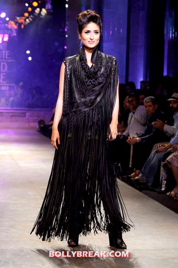 Kareena Kapoor in black dress at LFW - (3) - Kareena Kapoor walks at Lakme Fashion Week 2012 grand finale