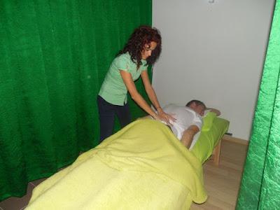 ujratalpon.ro - Aliz bowen kezelést ad