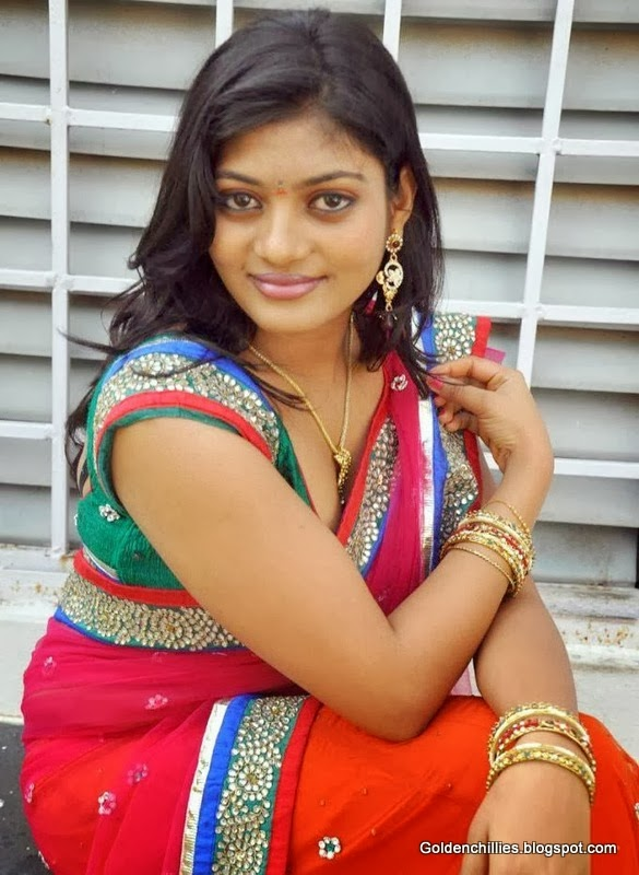 south Indian actress Sowmya latest photos of hot saree pics