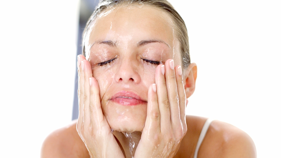 Как в домашних условиях очистить лицо от черных точек и прыщей