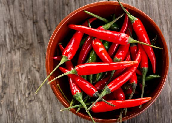 ăn ớt sẽ khiến bạn gây mụn