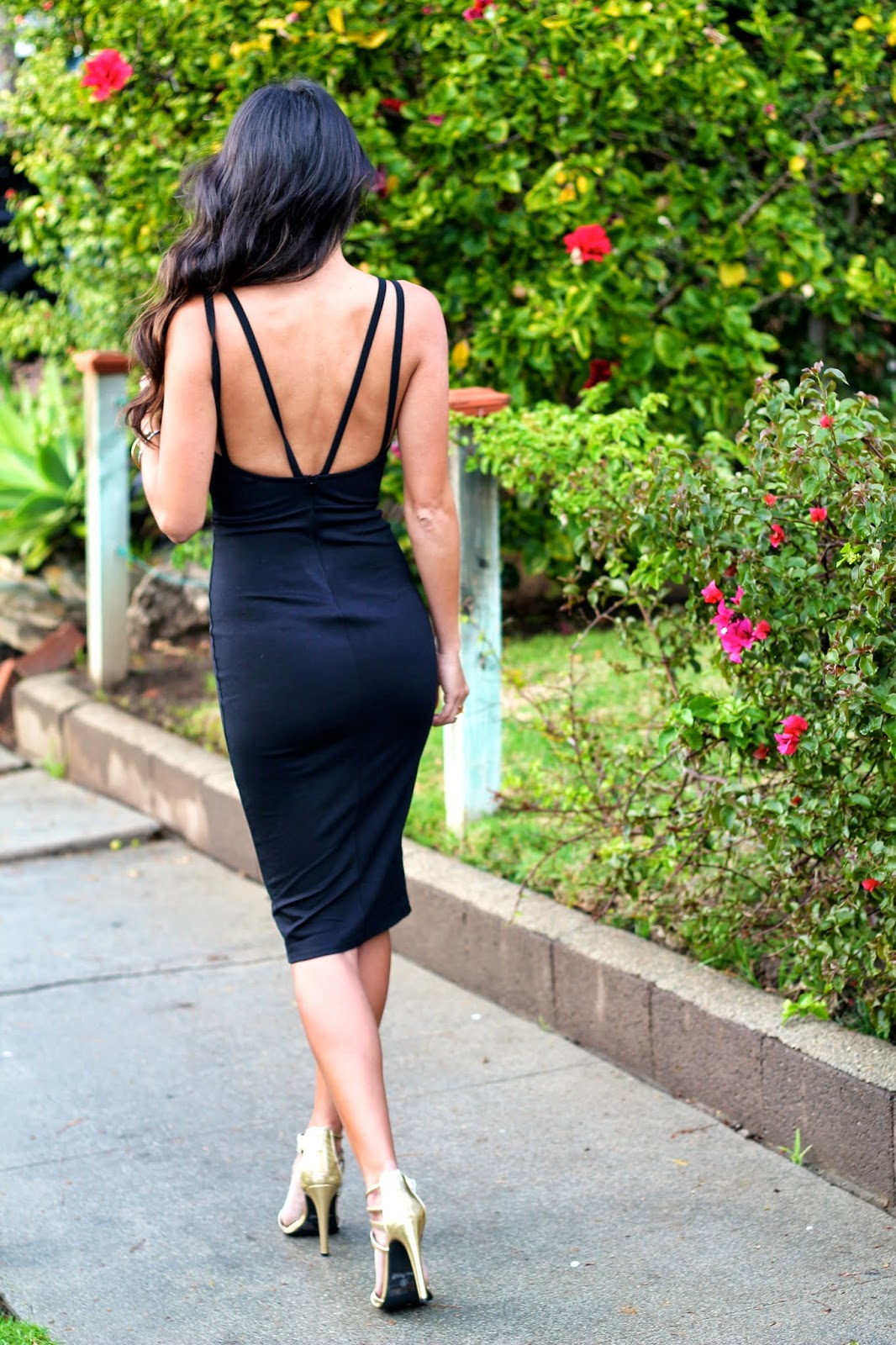 little black dress, valentine's day outfit, LBD style, how to wear LBD