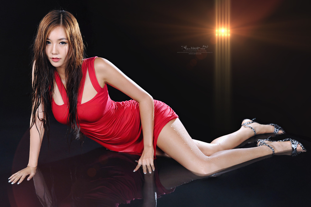 Lee Ji Min in Red