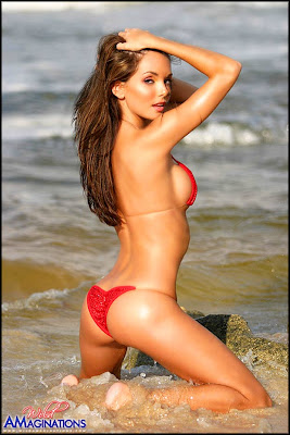 Sexy Bikini Babes Hillary Fisher