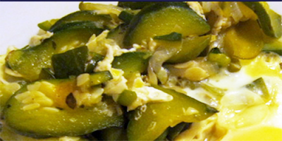 Huevos revueltos con zapallo italiano receta