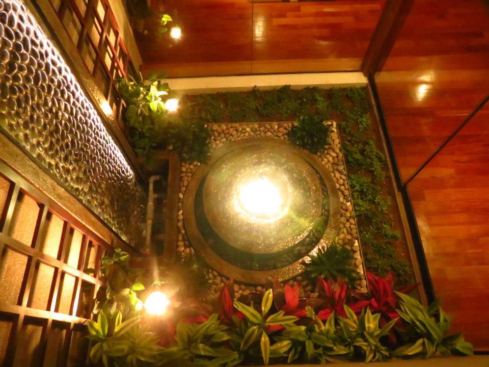 Oniria agua piscinas velos de agua y cascadas for Cascada para jardin interior