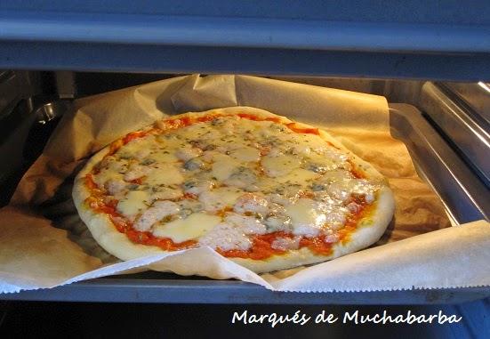 Las recetas del marqu s de muchabarba masa de pizza sin for Pala horno pizza