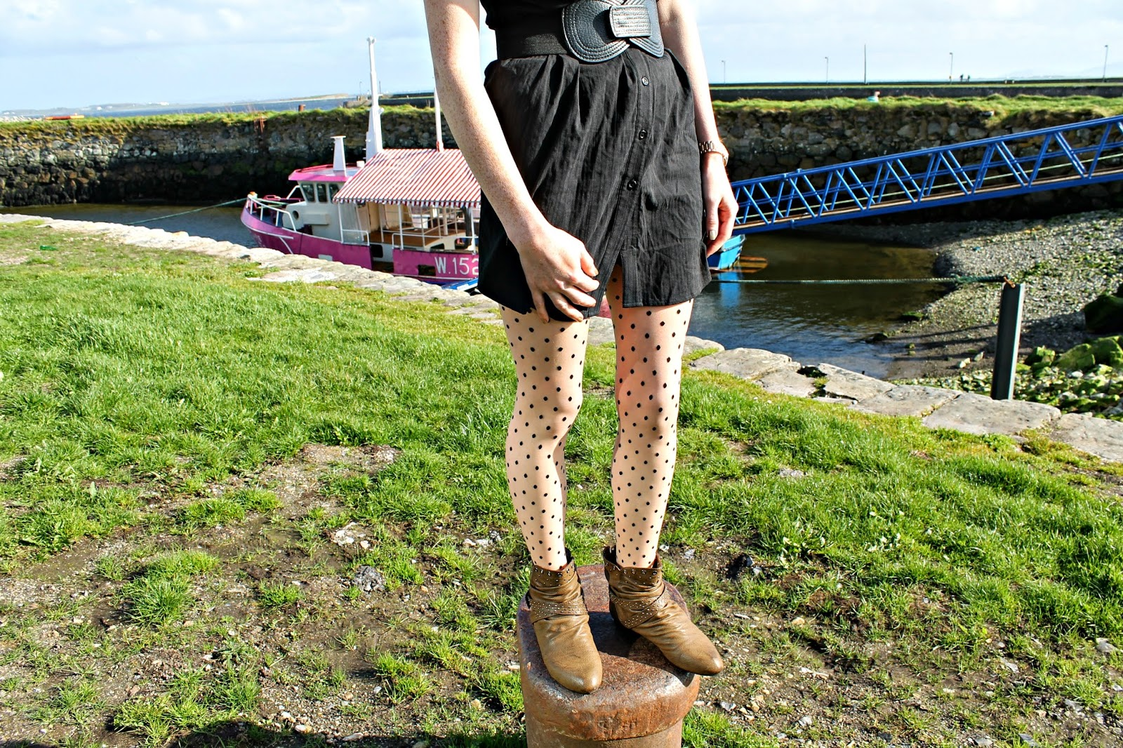 dotty tight ankle boots