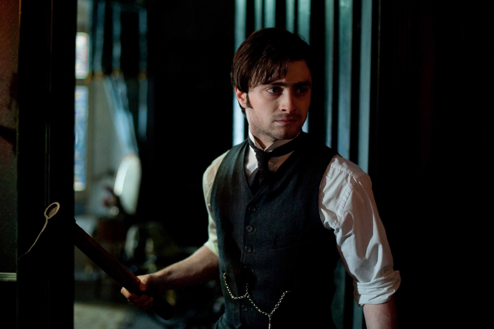 http://3.bp.blogspot.com/-VKvlfewWhng/T0ahlXtTY0I/AAAAAAAAANg/uql2lYVLpx8/s1600/Daniel-Radcliffe-The-Woman-in-Black.jpg