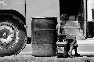 Foto Anak-anak Dalam Kemiskinan [ www.Up2Det.com ]