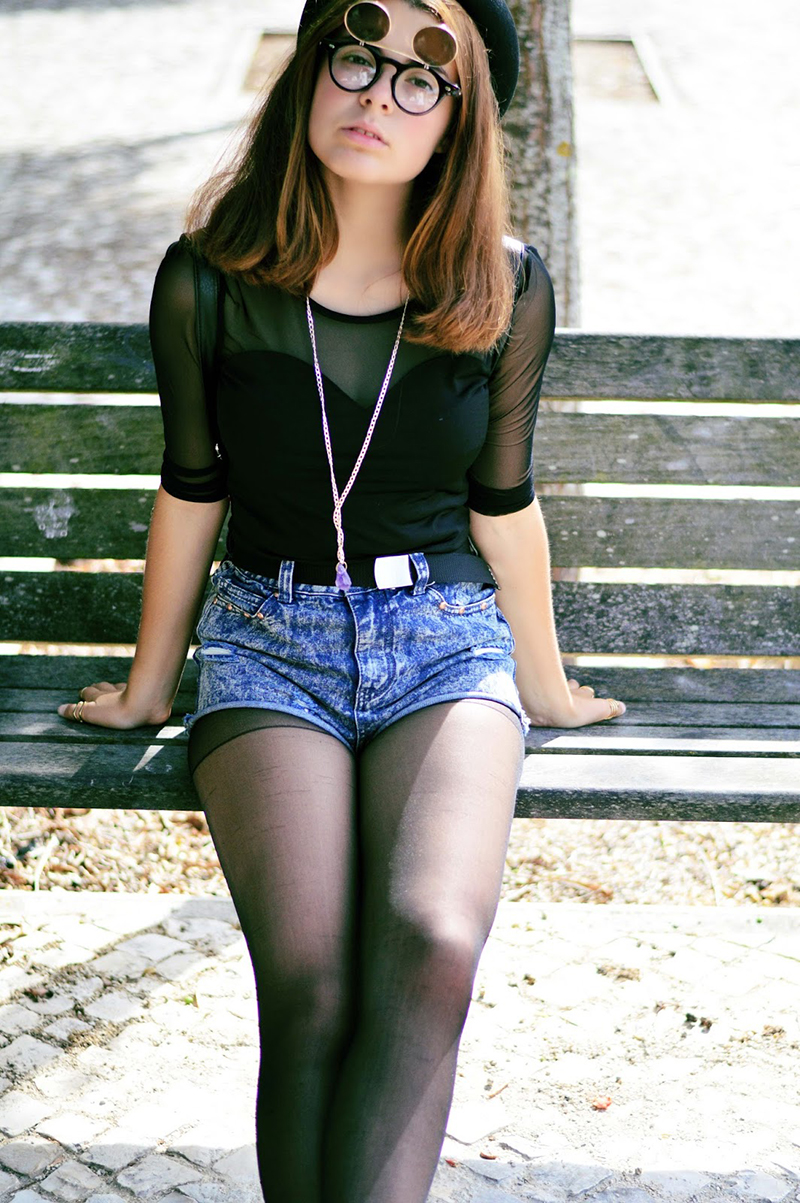 http://inthemoonlightshadow.blogspot.pt/2014/06/marcia-outfit-standing-next-to-me.html