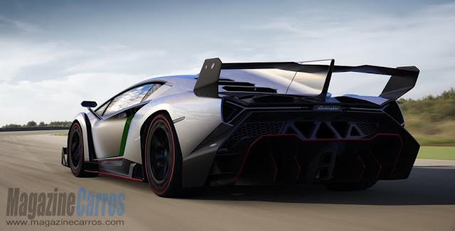 Traseira do Lamborghini Veneno 2014